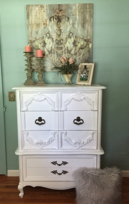 Dressing up a Small Bedroom